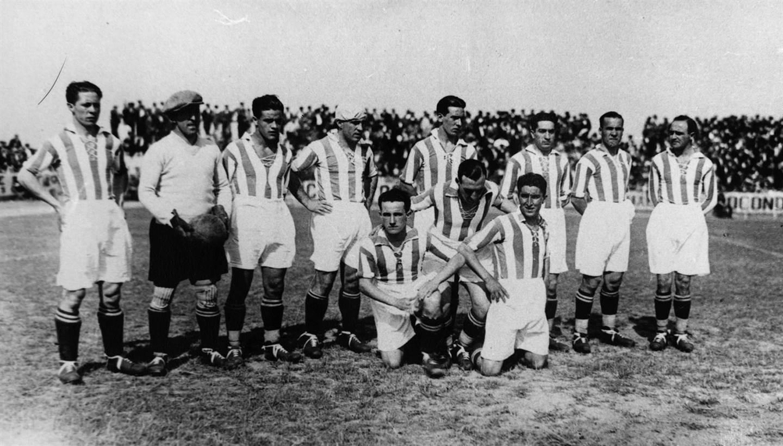 El cansancio tras las Olimpiadas hizo mella en los jugadores de la Real y  los catalanes se impusieron por 3 a 1 con goles de Txomin Zaldua 85c8af39bbc02