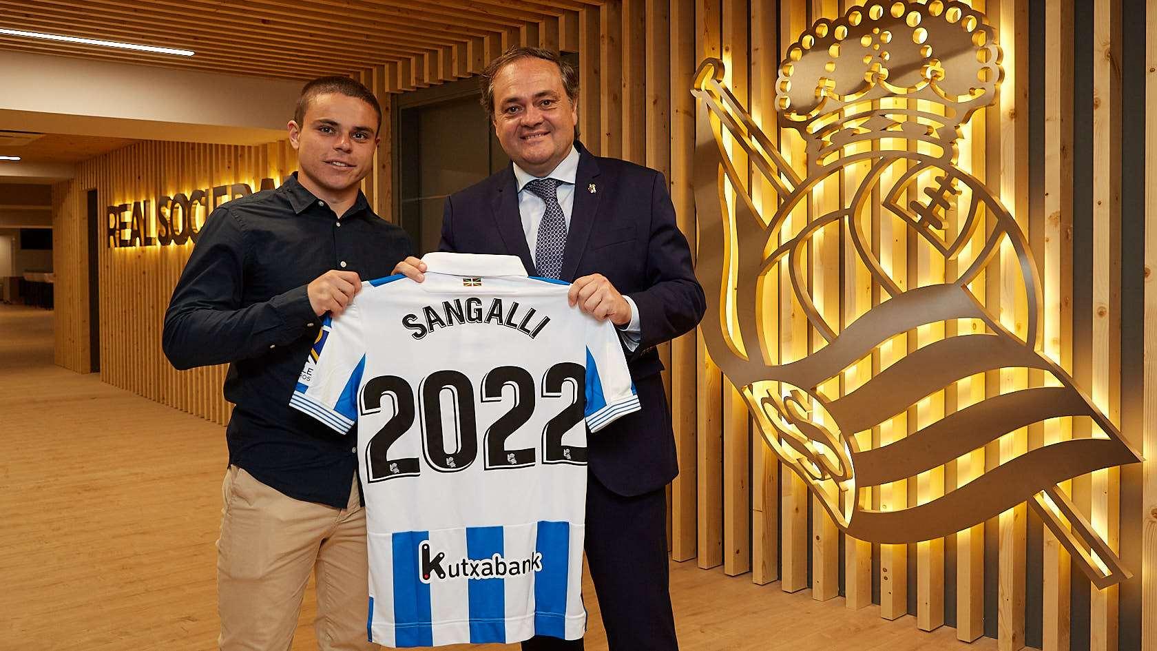¿Cuánto mide Luca Sangalli? 5d2_7403_945_