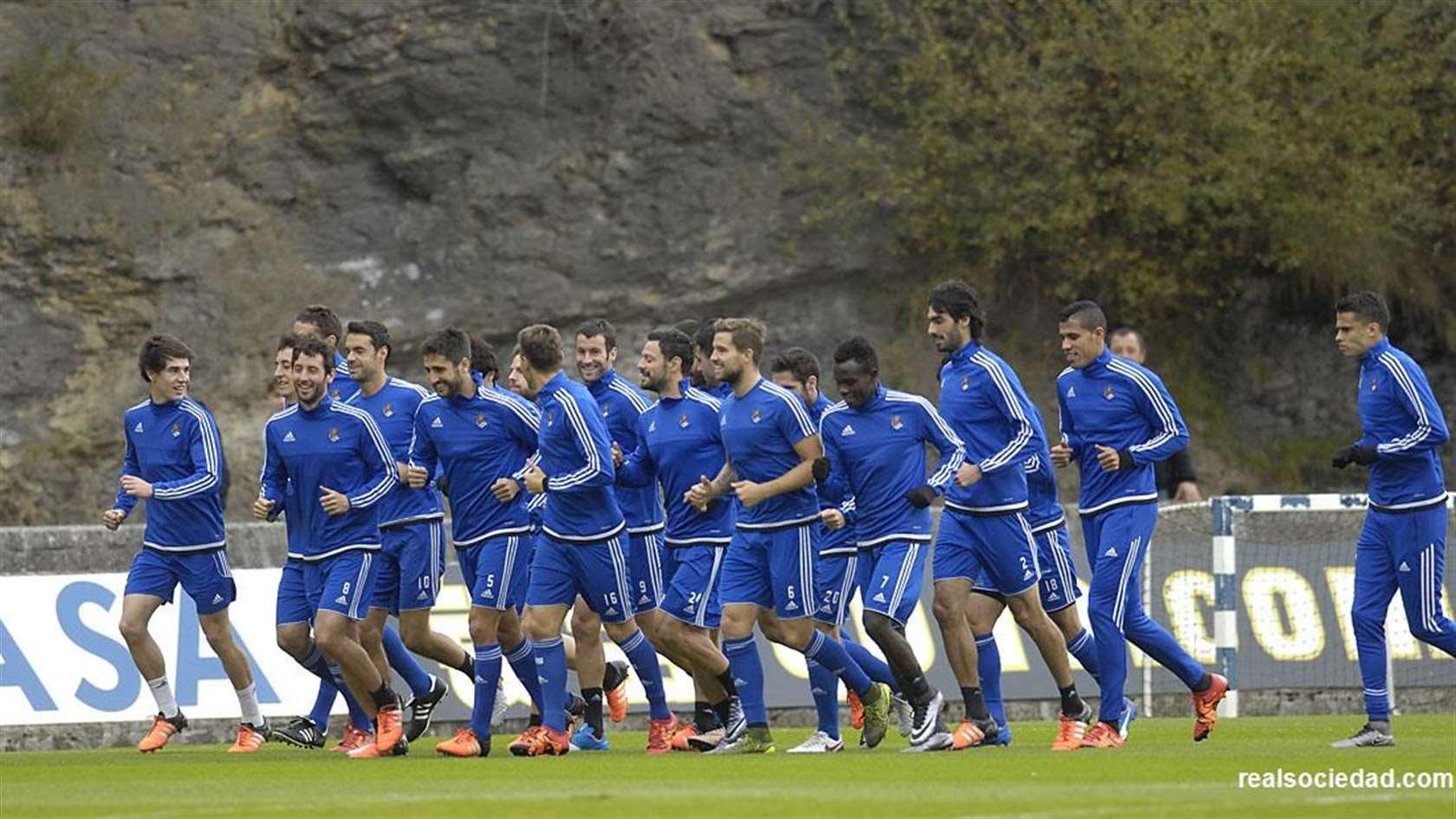El primer equipo reanuda hoy martes el trabajo - Real Sociedad de ...